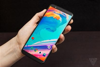تماشا کنید : نگاه نزدیک و بررسی اولیه گوشی جدید وان پلاس 5T