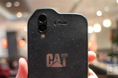 نگاه نزدیک و بررسی  اولیه گوشی CAT S61