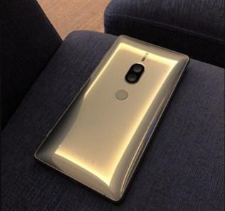 تصویری از رنگ طلایی Xperia XZ2 Premium شرکت سونی منتشر شد.