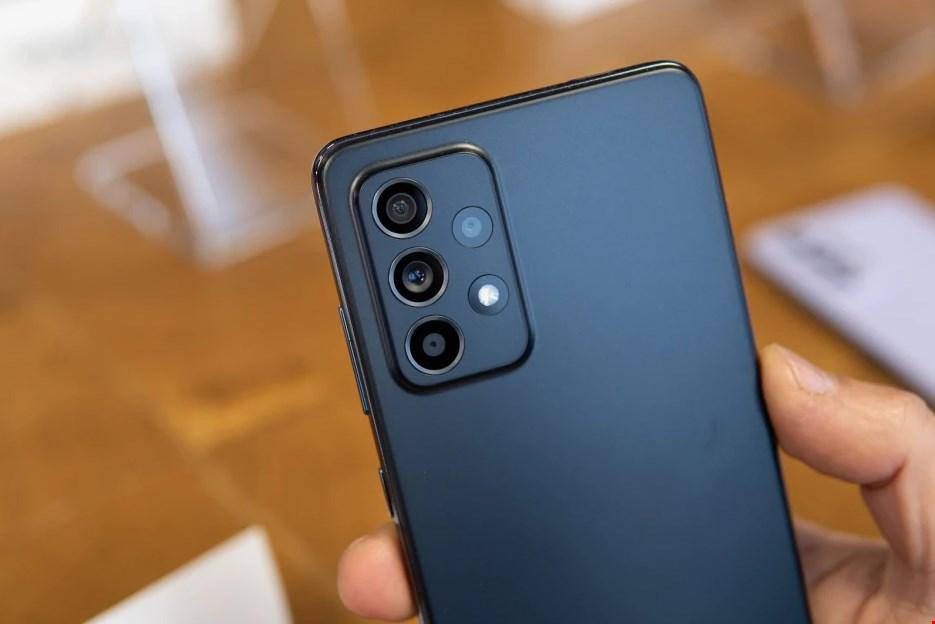 تصاویر Galaxy A52