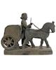 تندیس و پیکره شهریار مجسمه مدل هدیه آور افسر کالسکه ران حجمی جنس پلیاستر کد MO2390